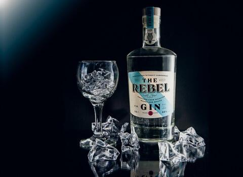 fotografiranje proizvoda-rebel-gin-maraska