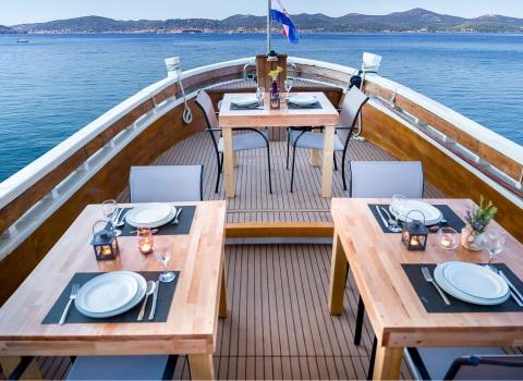 Reklamna fotografija broda