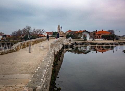 Stari most, Nin